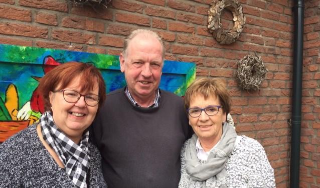 De nieuwe activiteitencommissie van de Zonnebloem afd. Eibergen: Gerda Olthof, Paul Hoffman en Marijke Wessels (vlnr).