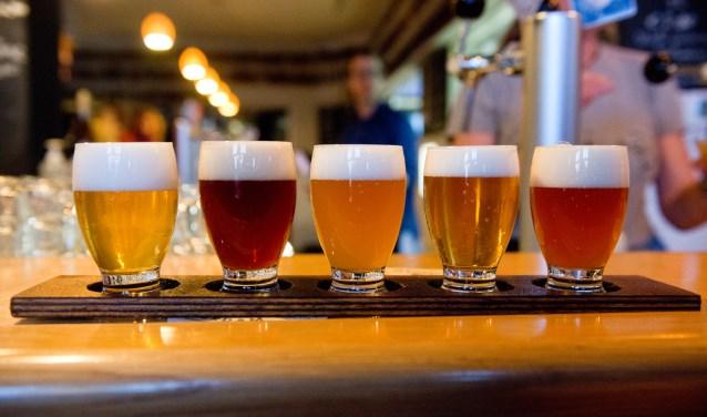 5 glazen bier zonder naam
