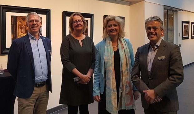 Burgemeester Reinie Melissant-Briene (tweede van rechts) was onder de indruk van de betrokkenheid van de medewerkers. Eigen foto