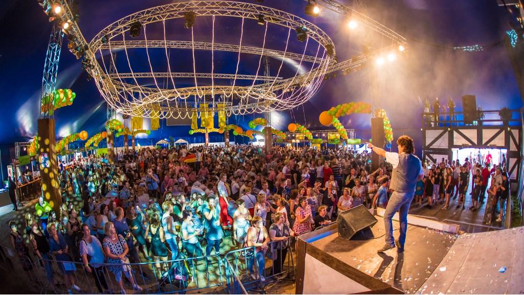 Dennie Christian zette vorig jaar de tent volledig op zijn kop.