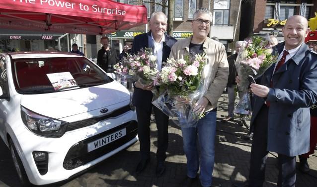 Vincent Le-Clercq, zoon van de winnaar, samen met Stef van Goor en Egbert Buiter. Foto: Jurgen van Hoof.