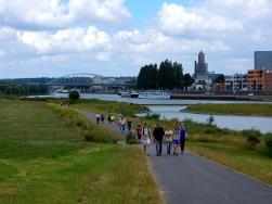 tussen Arnhem en Huissen langs de John Frostbrug