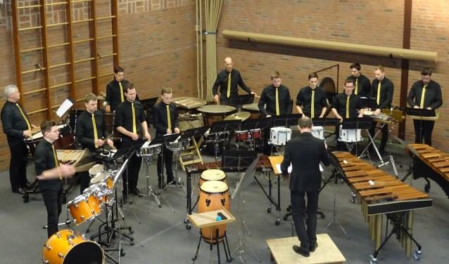 Slagwerkensemble Sint Jan in actie tijdens Percussion Party in Vragender.