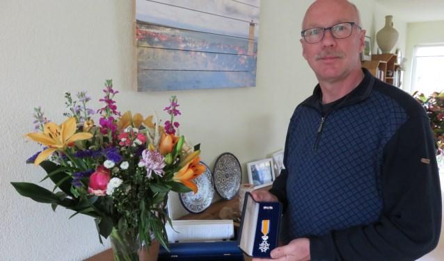 Jos van Heuveln is bij zijn afscheid als gemeenteraadslid benoemd tot Lid in de Orde van Oranje-Nassau omdat hij zich 16 jaar lang heeft ingezet voor de inwoners van Ede.
