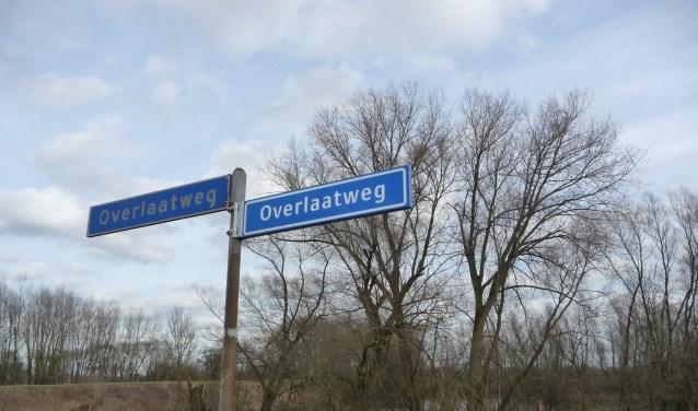 De naam van de Overlaatweg herinnert aan de verbinding tussen Waal en Maas. Foto: Tilly Kuus-Liefkens