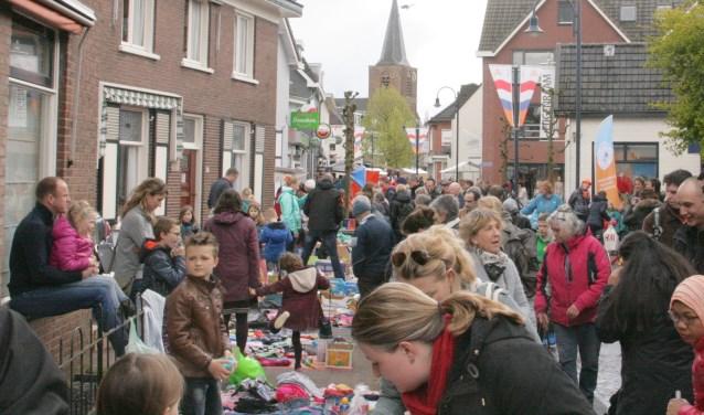 Op Koningsdag is er weer de traditionele kindervlooienmarkt.