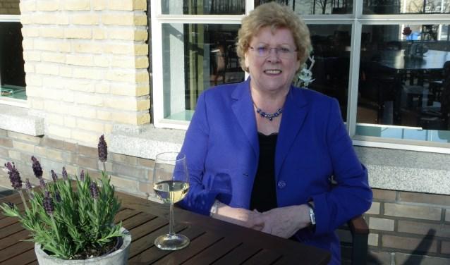 Els Dufais richtte 50 jaar geleden samen met echtgenoot Kees het familiebedrijf op. Ze komt graag in Grand Café Roos in het Floragebouw, dat wordt gerund door haar zonen.