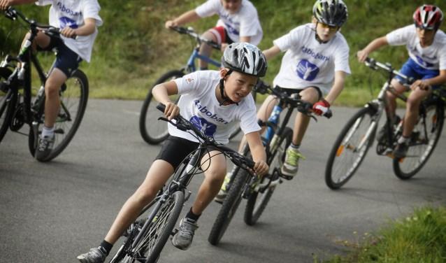 Team Brabant 2000 verzorgt proeftrainingen voor jongens en meisjes tussen 8 en 16 jaar uit de hele regio.