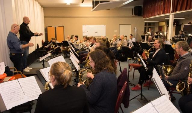 Excelsior Papendrecht verzorgt samen met de gast-maestro's een avondvullend concert. (foto: pr)