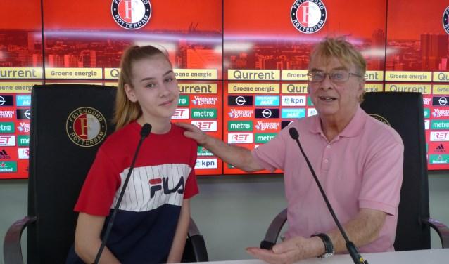 Schrijver Rob Vente en zijn covermodel Romy, dochter van Feyenoords fysiotherapeut René Dannenburg.