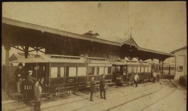 Stoomtramstation Scheveningen, ca. 1880 (Beeldbank Haags Gemeentearchief - fotograaf C.P. Wollrabe sr.)