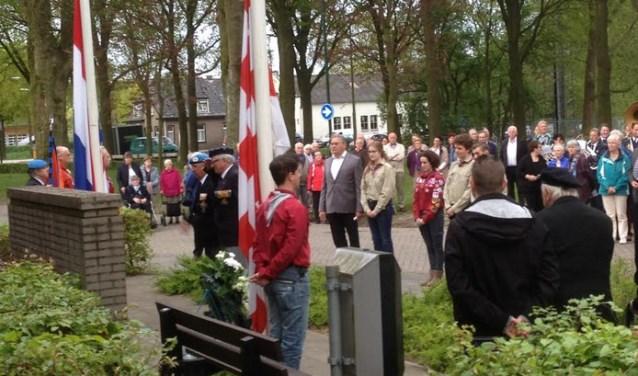 De kranslegging in Sint-Michielsgestel een van de voorgaande jaren.