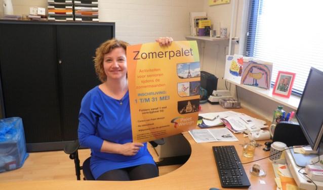 Odette Haasnoot presenteert Zomerpalet met een grote variatie aan activiteiten voor ouderen in de zomervakantie. Foto Kees van Rongen