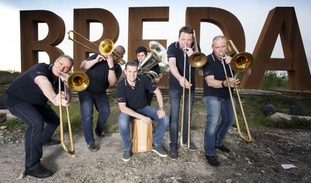 Slide-O-Base  vlnr: Sjef-Peter van den Bliek, Sander-Casper Tijssen, Marc Pas, Bas van Rijthoven, Corné Kerremans, Jack Verheijen.