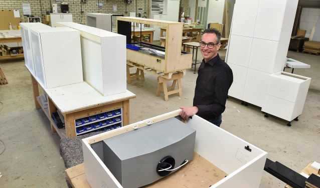 Alfred Grootherder nam in 2005 samen met zijn vrouw Sabine de meubelmaker Timmerhuusken over. Nu richt hij zich steeds meer op complete interieurs voor particulieren en bedrijven.