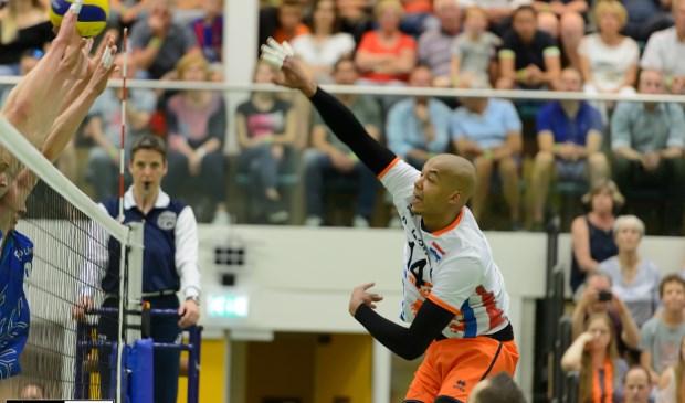 Nimir Abdelaziz scoort een van zijn vele ballen. (Foto Rob Jansen)