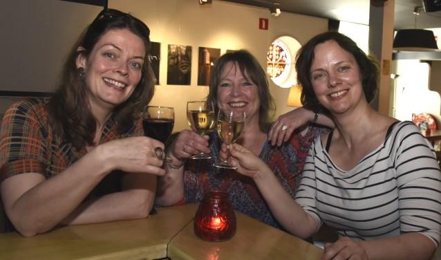 Anitra Jellema, Judith Ivens en Kerstin Vogel hebben het initiatief genomen voor het eerste Vrouwencafé in Gouda. Foto: Marianka Peters