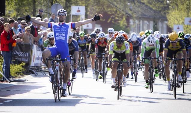 Alle 'bergen' van Twente liggen op de route van de Ronde van Overijssel; start en finish zijn in Rijssen.