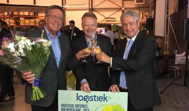 V.l.n.r.: Arn van der Vorst, Rob Neutelings en Burgemeester Jacques Niederer.