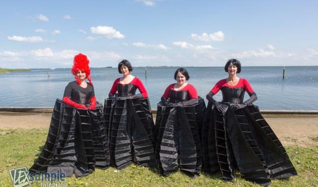 Die Zauberflöte 3 dames Königin FOTO: Lex van Groningen
