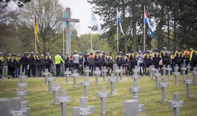 De Freedom Ride van 2017 trok door het Limburgse landschap en maakte een stop bij het Duitse militaire begraafplaats bij Ysselsteyn. Dit jaar staat een Brabants parcours op de rol.