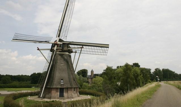 Ook de molen van Waardenburg doet mee aan de Nationale Molendag op 12 mei. Er worden rondleidingen gegeven en bij voldoende wind wordt het malen gedemonstreerd.