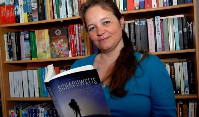 De Cuijkse schrijfster Ineke Kraijo schreef mee aan de roman Schaduwreis. (foto: Tom Oosthout)