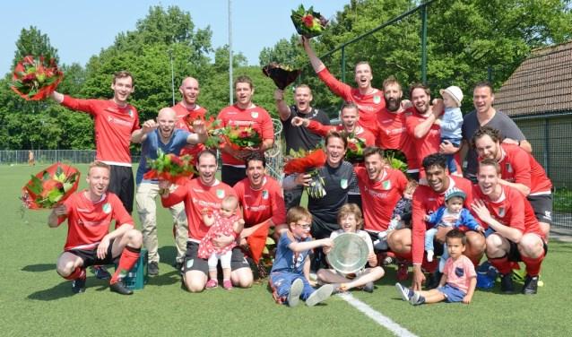 Kampioenschap Slikkerveer 4 werd gevierd (Foto: Roelie 't Jong)