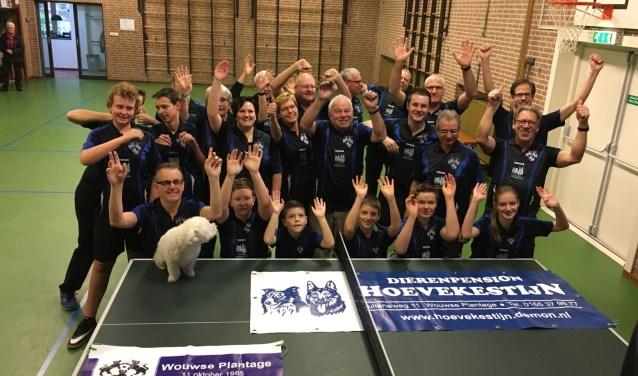 De leden van TTV de Pin Pongers beleven veel plezien aan hun sport, tafeltennis.