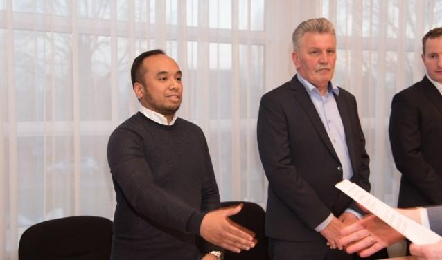 Sander Salakory direct na de beëdiging als gemeenteraadslid. Foto: Nienke Runneboom.