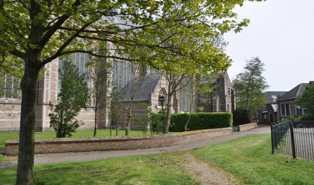 De herbestemming van de Grote of Sint Nicolaaskerk is ook een punt van onderzoek. Het wordt steeds lastiger voor de kerkelijke gemeente om het gebouw in stand te houden. FOTO: Anneke Flikweert