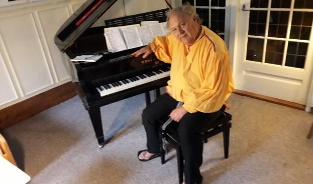 De van oorsprong Amerikaanse pianist Romayne Wheeler (76) geeft op 25 mei een concert in Kraaybeek. FOTO: Maarten Bos