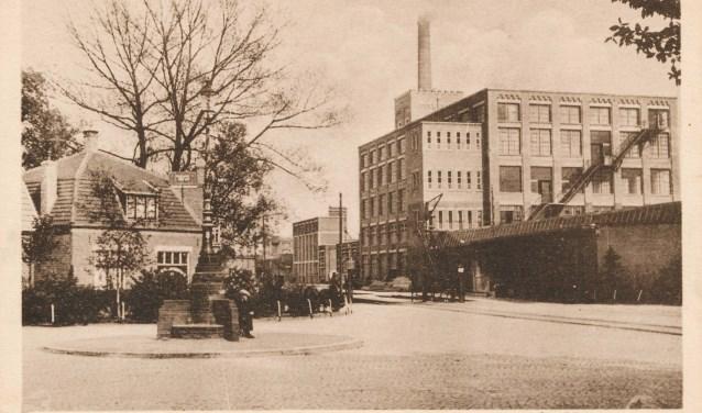 Het oude Stationsplein. Foto: Rijssens Museum.