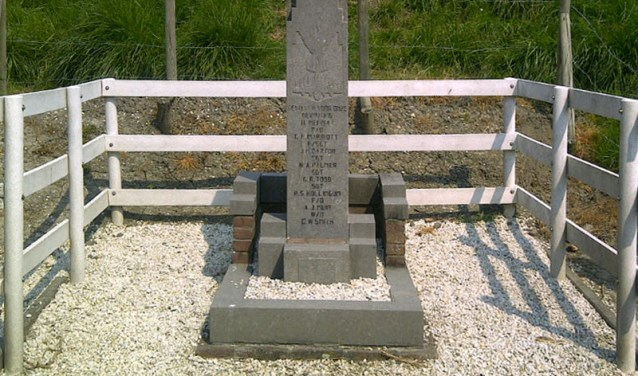 Ter nagedachtenis van de overleden bemanningsleden is er een monument opgericht. FOTO: WIKIPEDIA