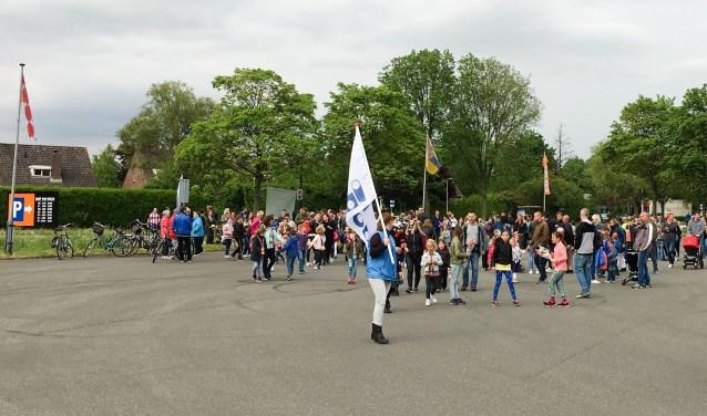 Deelnemers aan De Groot Avond4Daagse kunnen kiezen uit de volgende vier afstanden: 3, 5, 10 of 15 kilometer. Het vertrek is iedere dag op een andere locatie in de gemeente Heusden.