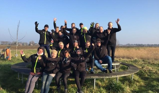 """Team Sterk Staaltje (Marco en Twan op de twee rij van voren, derde en tweede van rechts)."""""""
