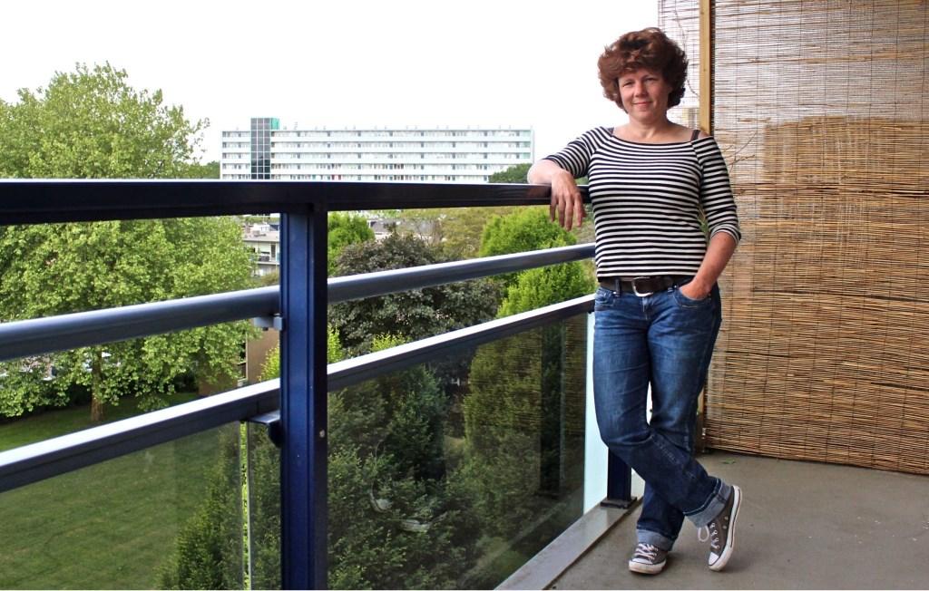 Sanne van der Zee (39) maakt deel uit van het bestuur van Woonspraak en zet zich actief in voor de belangen van de huurders richting de verhuurder. FOTO: Els van Stratum Foto: Els van Stratum © Persgroep