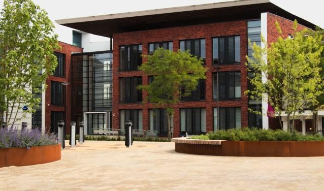 ViaVie Welzijn verhuist in oktober naar een accomodatie aan Rozengaarde 75. Het gebouw is onderdeel van het gemeentehuis. Foto: gemeente Rijssen-Holten.