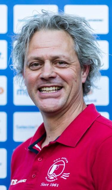 Marc van Groen wil ervoor zorgen dat de heren van ZPC Het Ravijn snel en attractief waterpolo gaan spelen. Foto:  Marcel ter Bals.