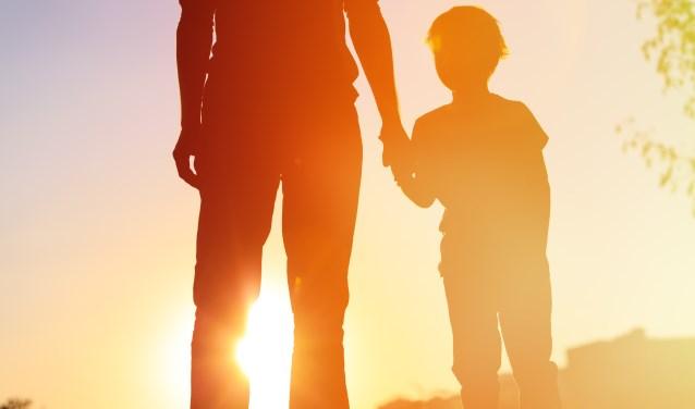 De gemeente Montferland is op zoek naar vijftig pleegouders die kinderen voor korte of langere tijd willen opnemen in hun gezin. (afbeelding ter illustratie - foto: Shutterstock)