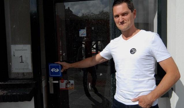 Michiel Aalders is vastberaden om van Street Café op het Cuijkse treinstation een succes te maken. (foto: Tom Oosthout)