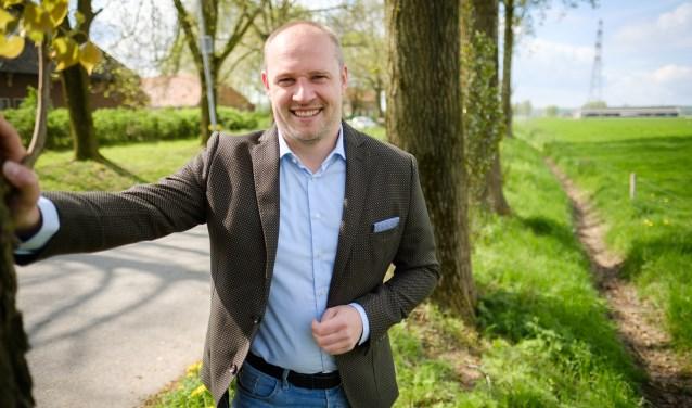 Dennis Gudden vindt het belangrijk dat alle inwoners en bedrijven over snel internet kunnen beschikken. (foto: Guy Ackermans)