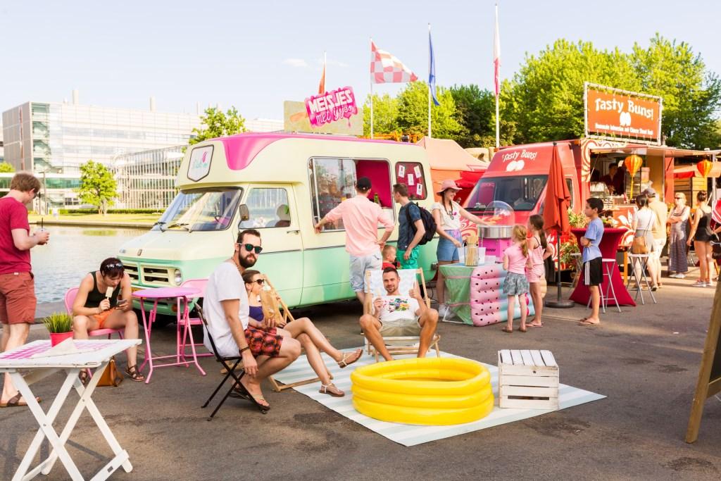 Het Foodtruckfestival strijkt neer op het festivalterrein van de Drakenbootraces.