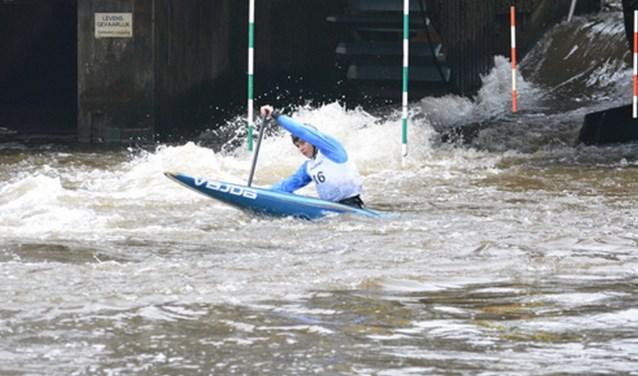 Met een kano kan echt schitterende sport bedreven worden en dat is te zien bij de Volmolen.