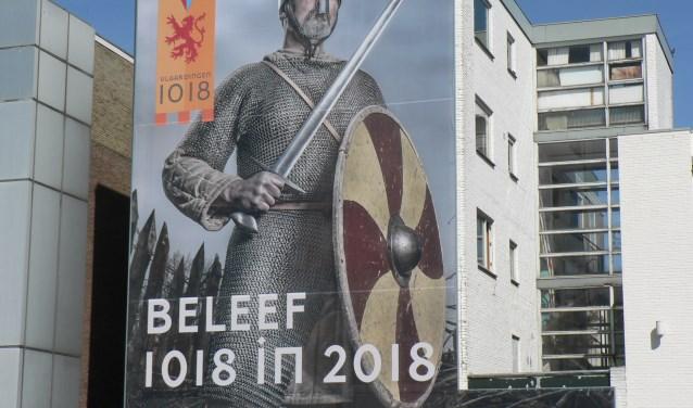 Graaf Dirk III krijgt tijdens het Stadsspektakel een grootse ontvangst in Vlaardingen. (Foto: Peter Spek)