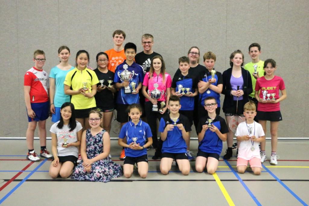 Deelnemers van de OSM Badminton jeugdclubkampioenschappen Foto: Shirley Klerks © Persgroep