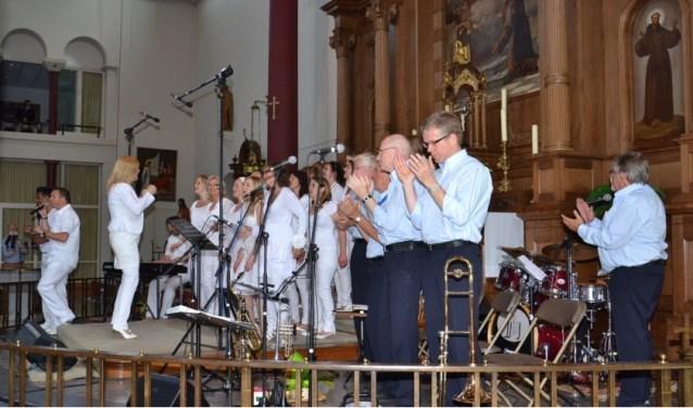 Jay Jay's Border Jazzmen treedt onder andere op in de St. Andreaskerk. (foto: Muziekstad Zevenaar)