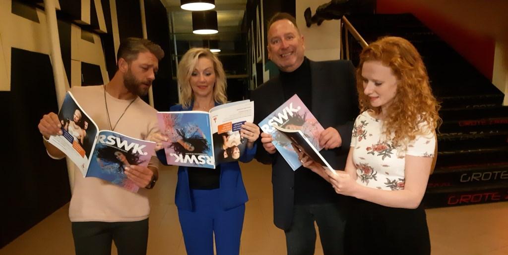 Tommie Christiaan, Lone van Roosendaal, Marc Schultheis en Michelle van der Ven onder de indruk van van de nieuwe theatergids