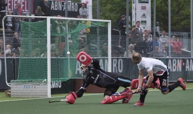 Kampong wint na shoot-outs de eerste finale van Amsterdam. Foto: Maurice de Wert