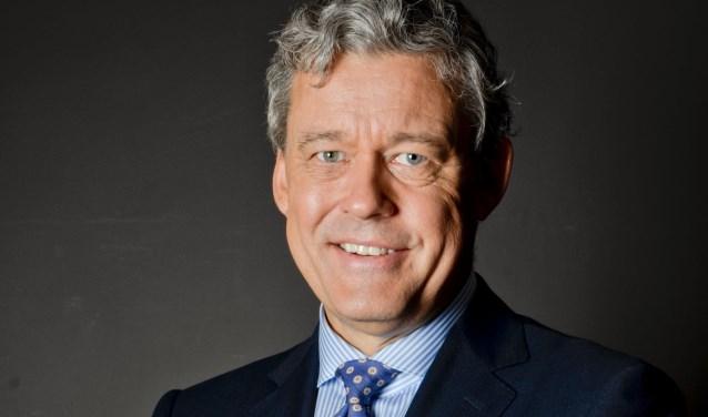 De Amerika-lezing van journalist en schrijver Charles Groenhuijsen heeft woensdag 9 mei veel publiek naar het Da Vinci College in Dordrecht weten te trekken. (Foto: Privé)